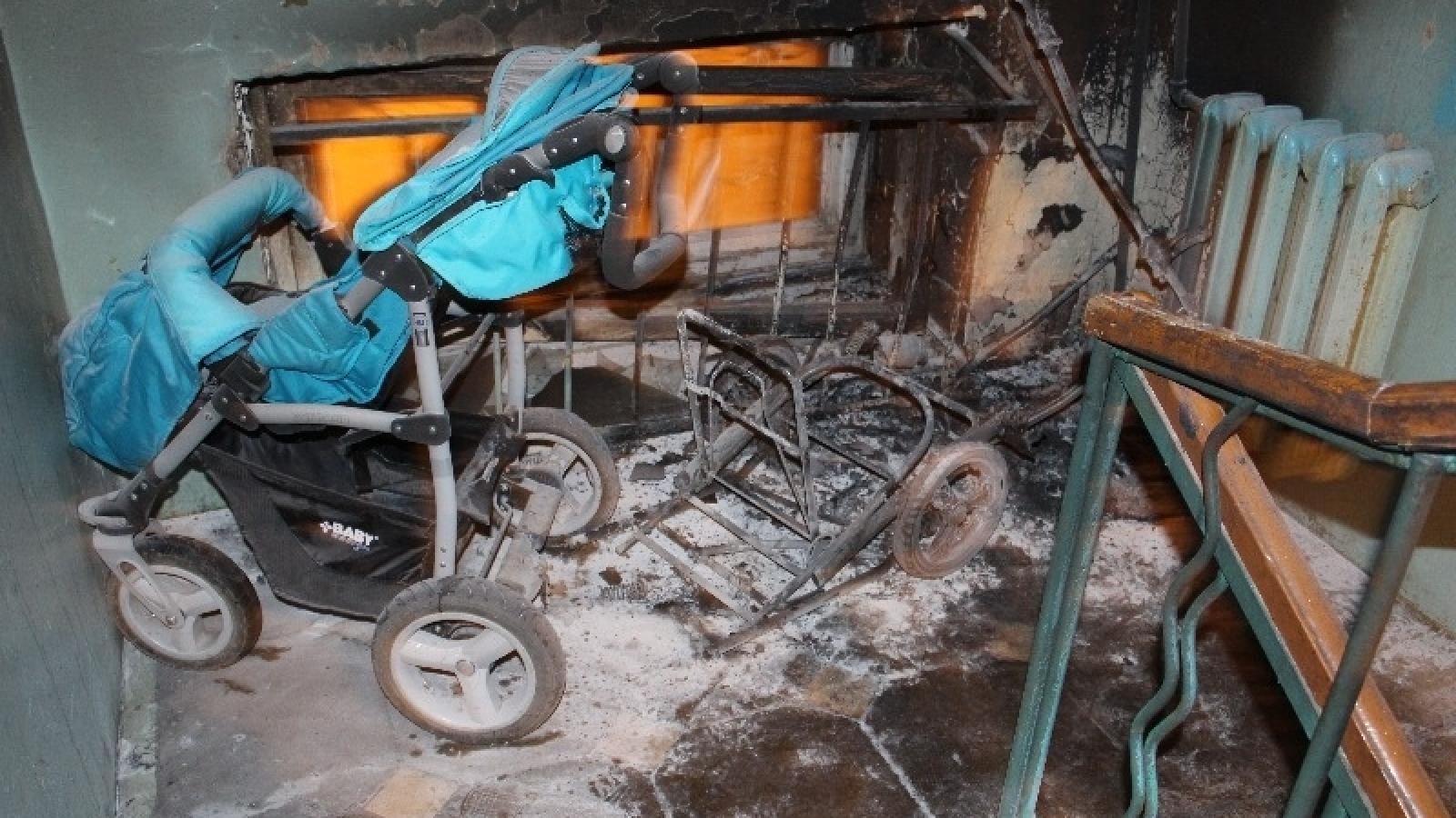 В Вологде подожгли детскую коляску