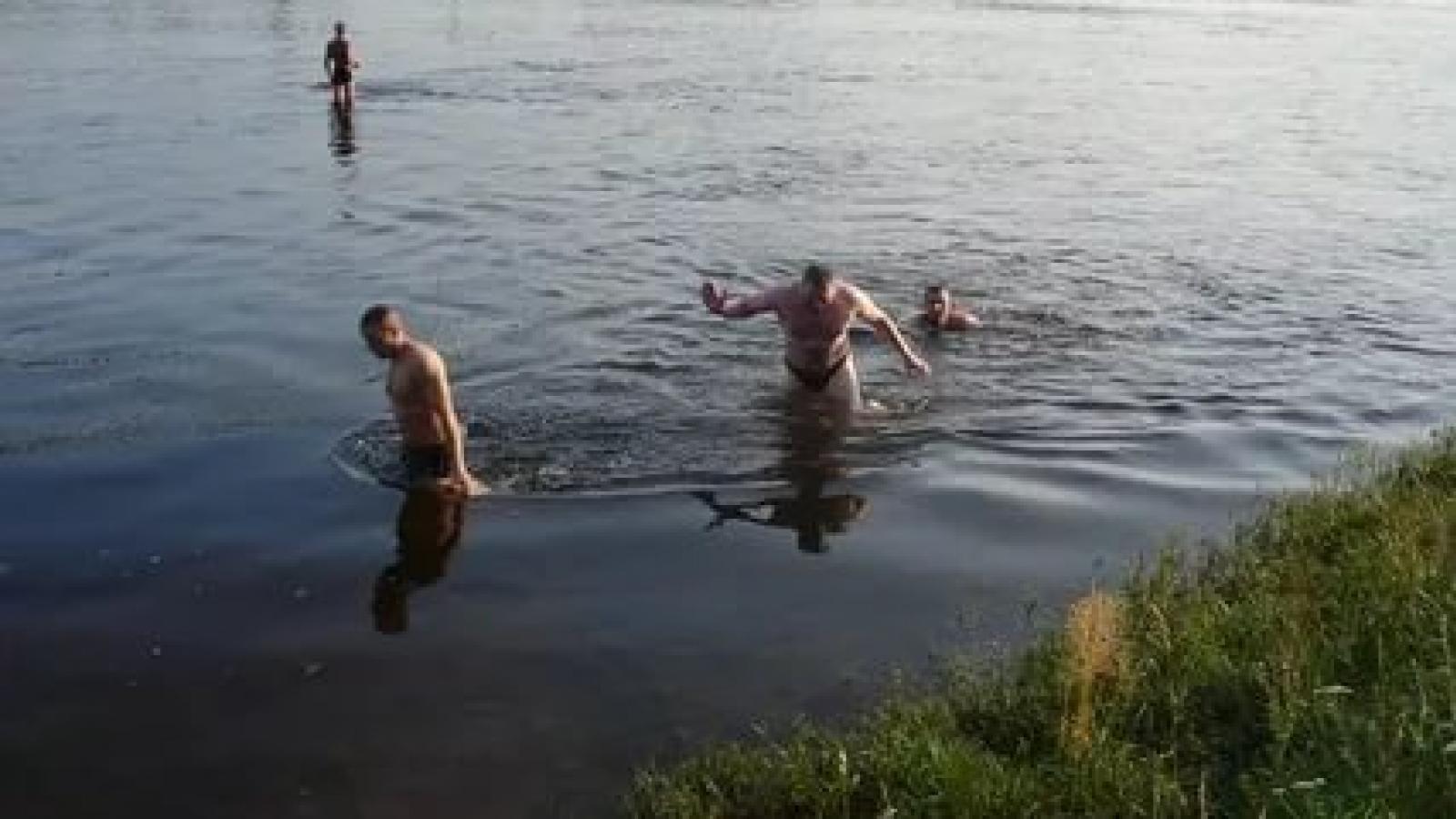 Вологжане начали открывать купальный сезон