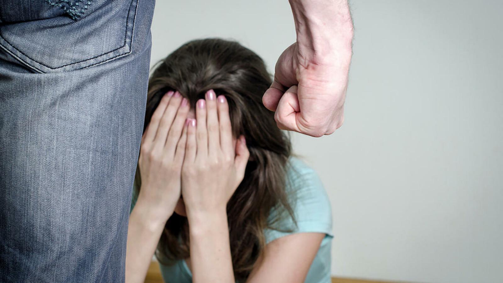 В Вологде отчим избивал 9- летнюю девочку