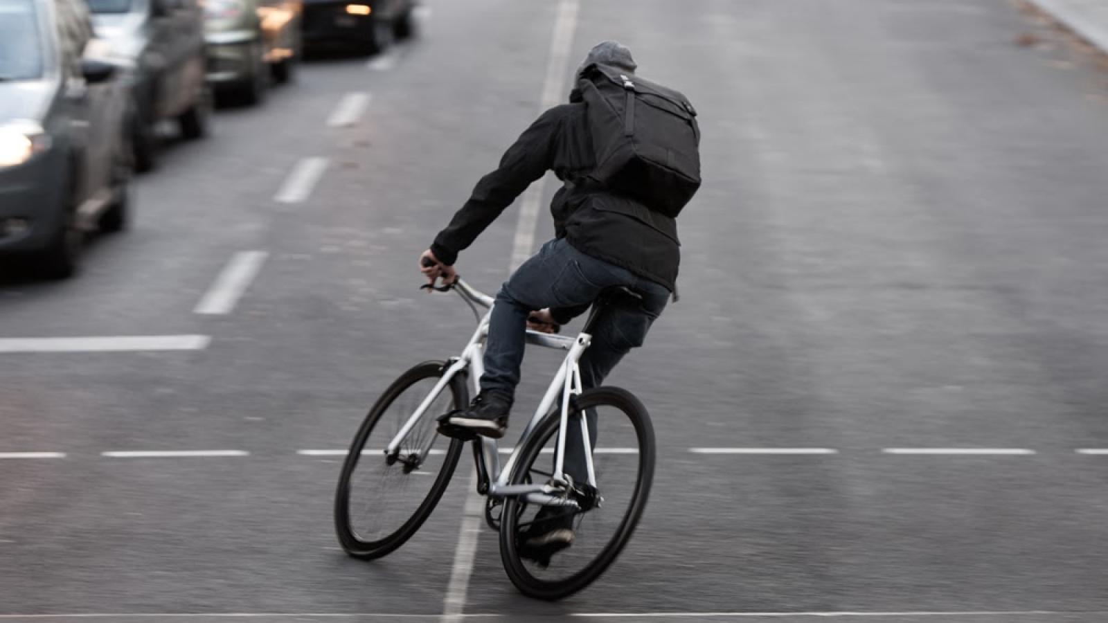 Череповчанин попросил «покататься» на дорогом велосипеде и скрылся