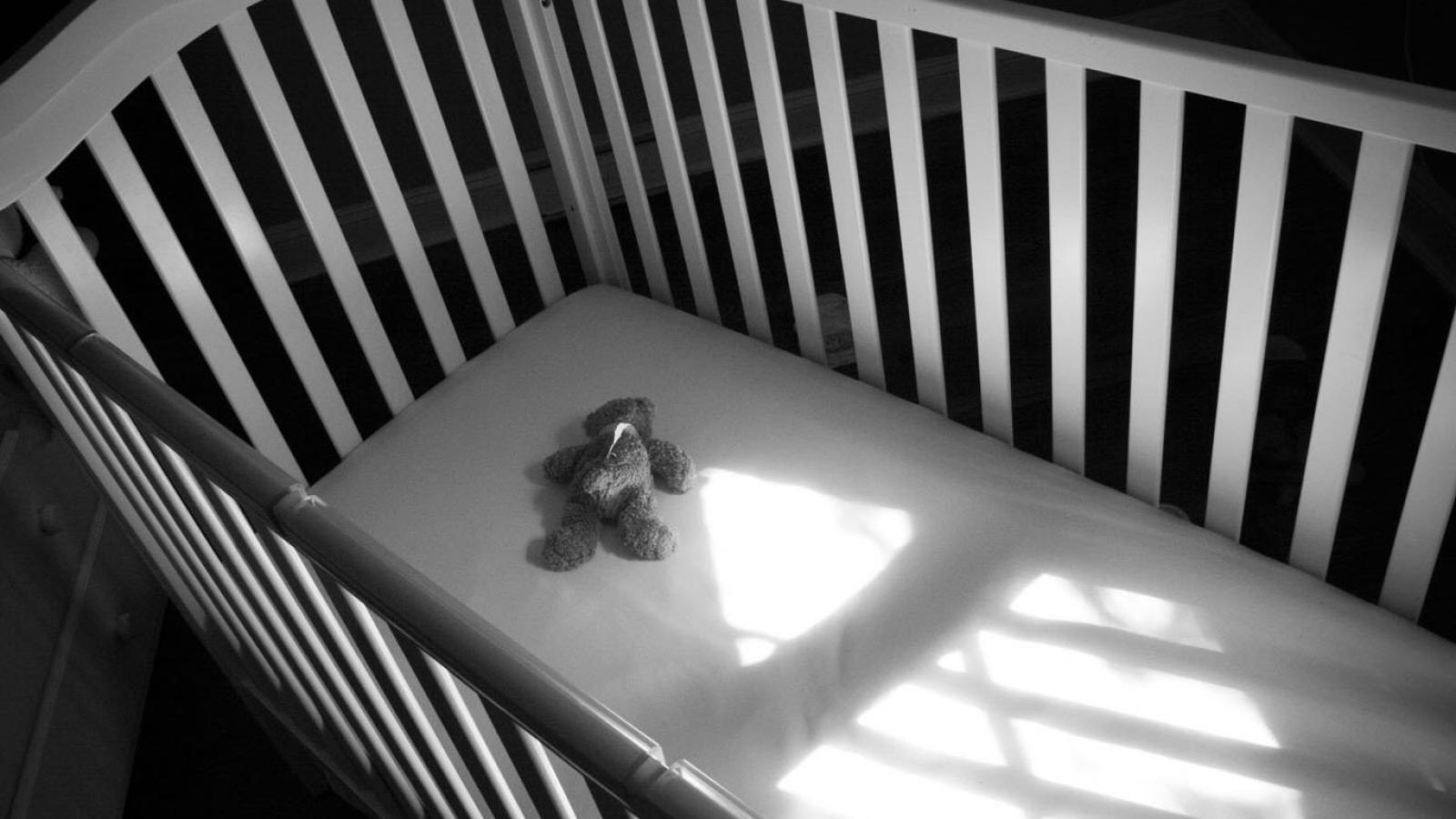 Ребенок умер в своей кроватке