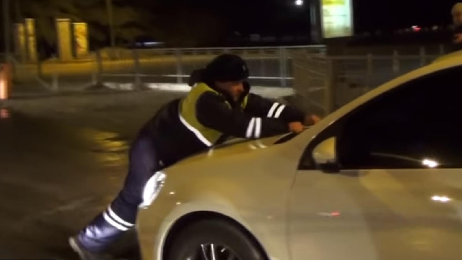 Пьяный водитель протащил инспектора ДПС по земле