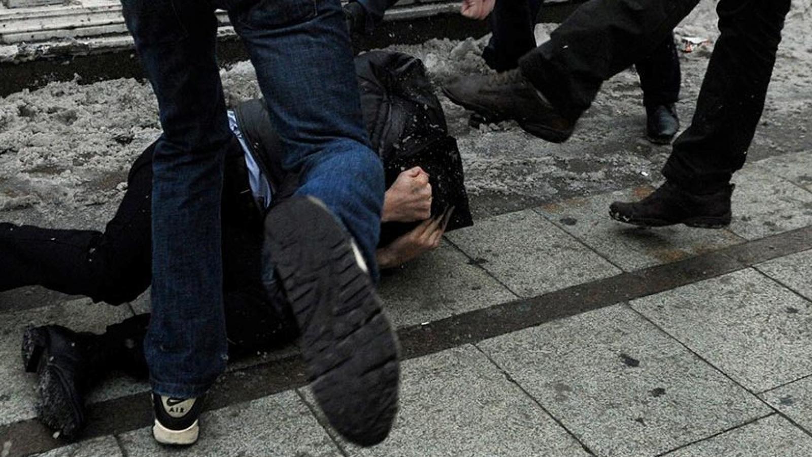 В Череповце дети избили прохожего