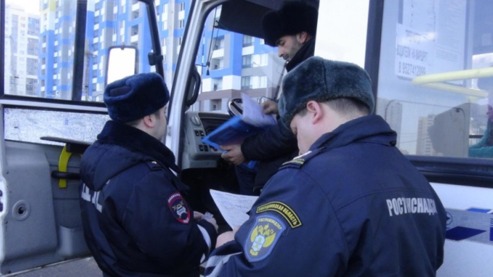 Начальник госавтонадзора незаконно штрафовал перевозчиков