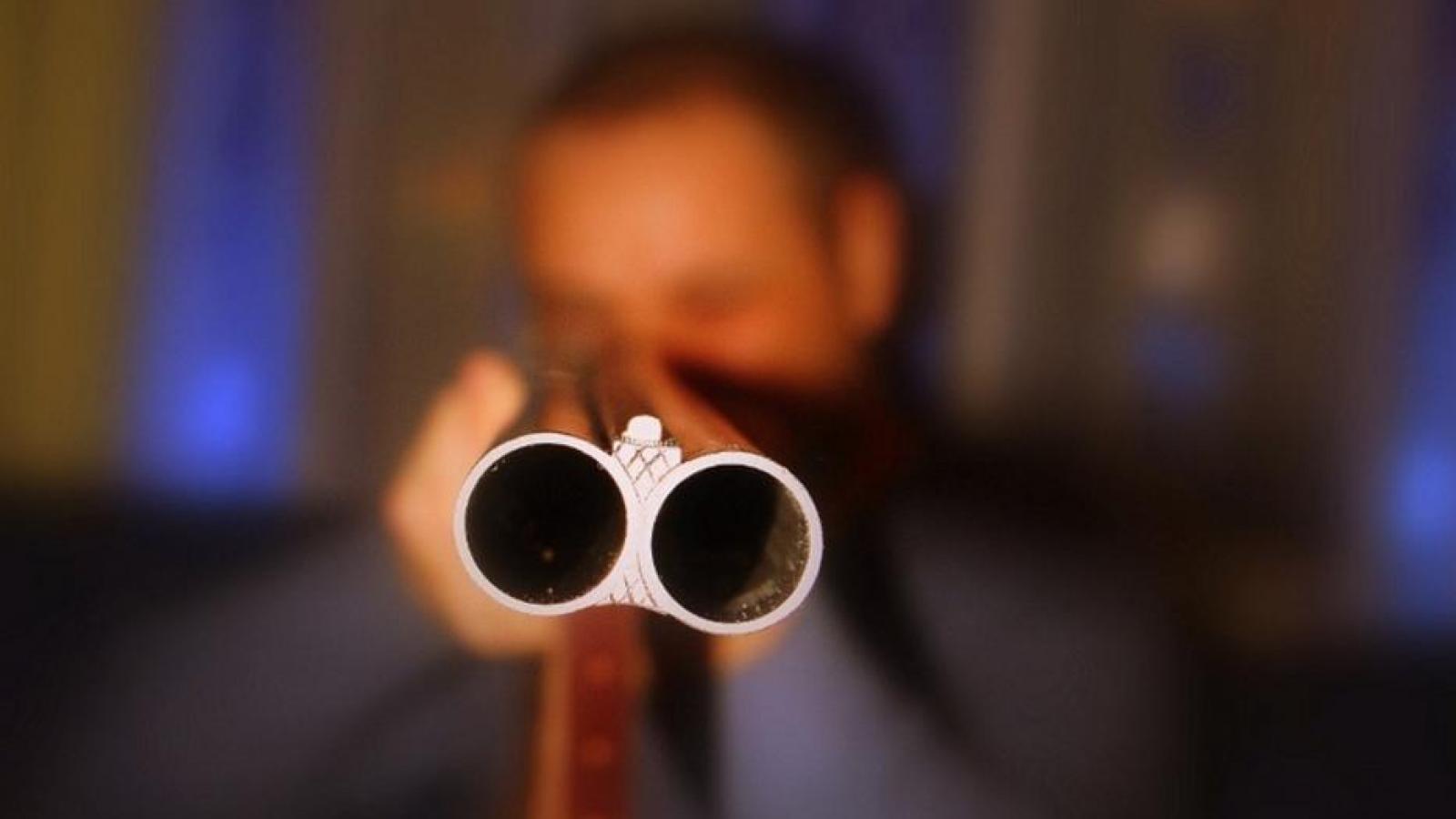 Житель Череповецкого района выстрелил в дочь, а затем в себя