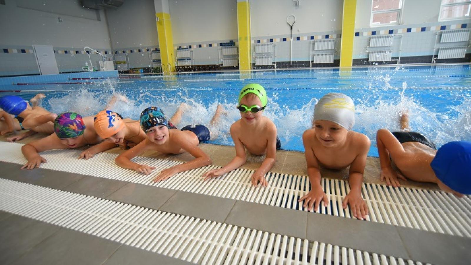 Бесплатные занятия по плаванию для второклассников Вологды