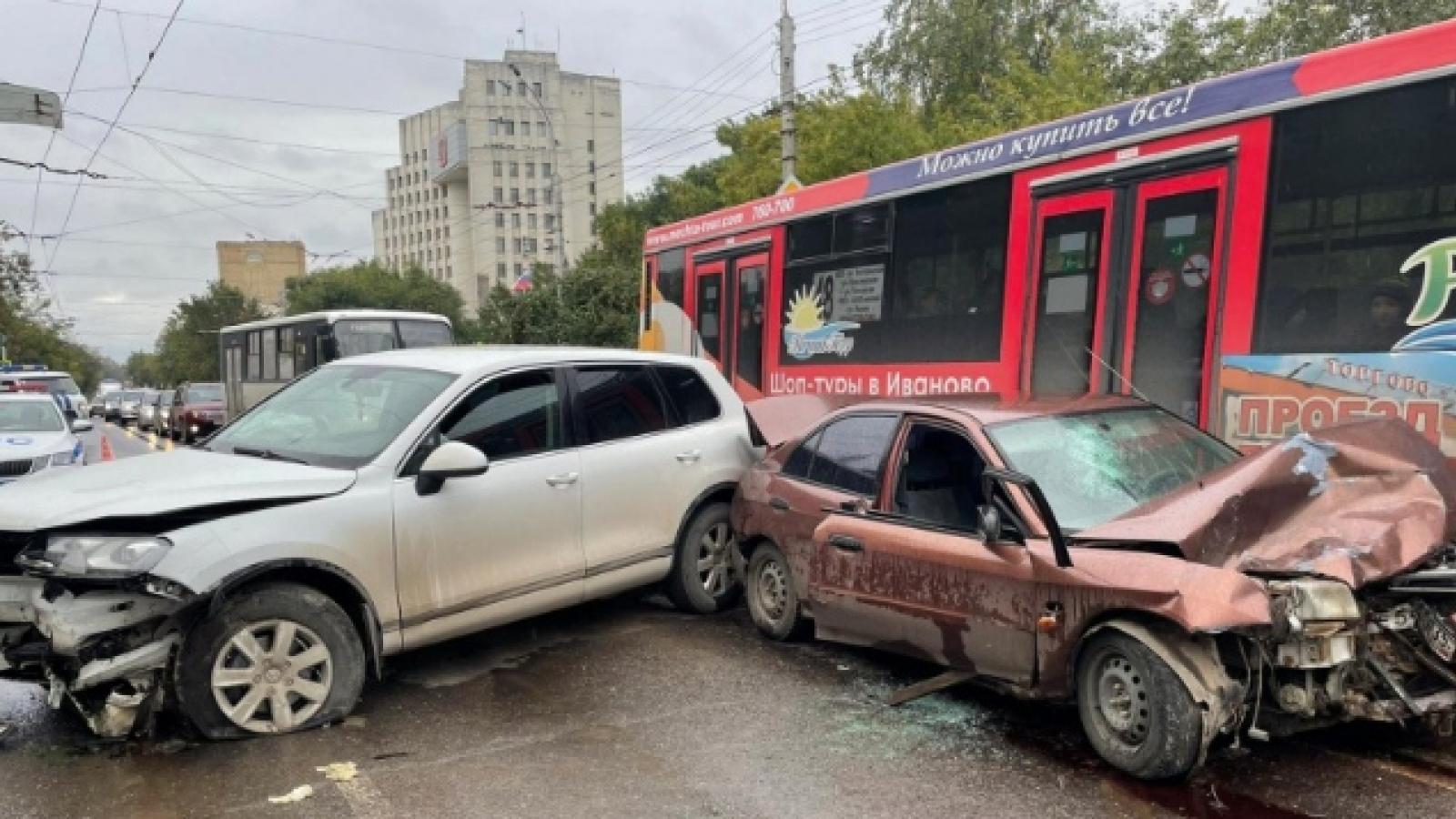 Пьяный водитель стал виновником ДТП в центре Вологды