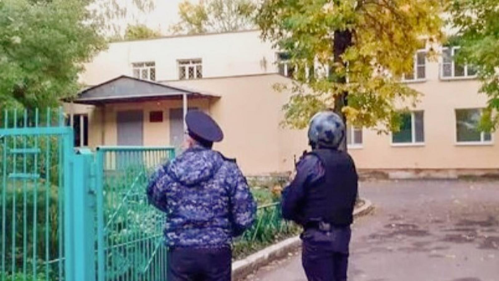 Школьникам Вологды угрожает телеграм-террорист