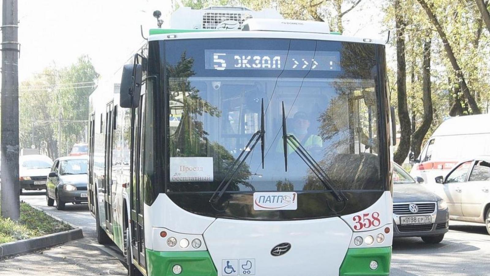 Новые троллейбусы отправили на маршрут № 4