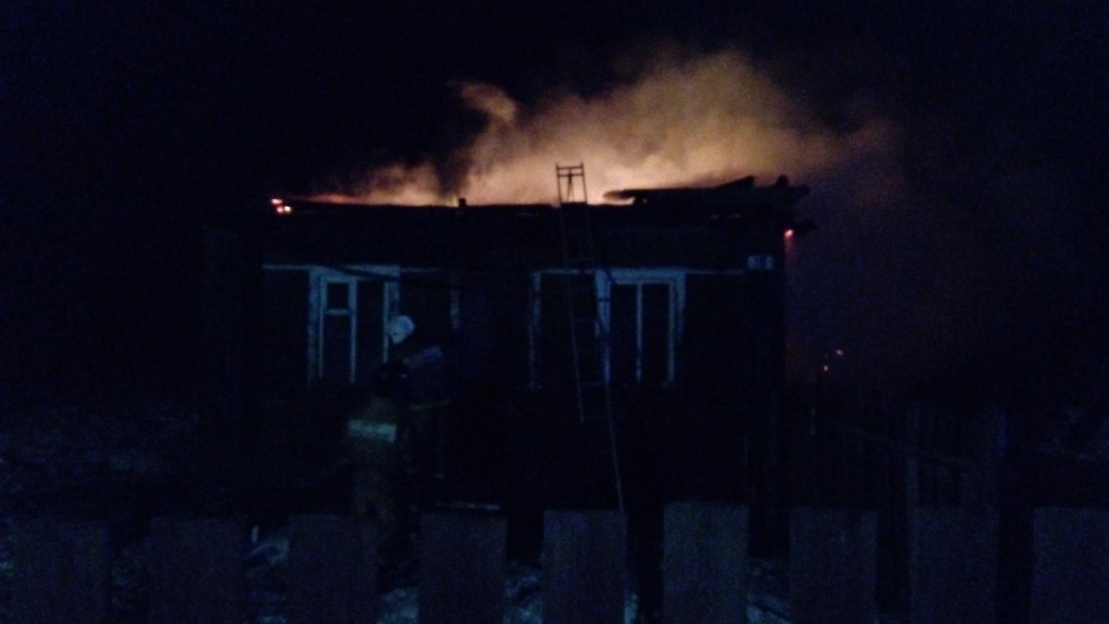 В Вологодской области 5-летняя девочка спалила дом