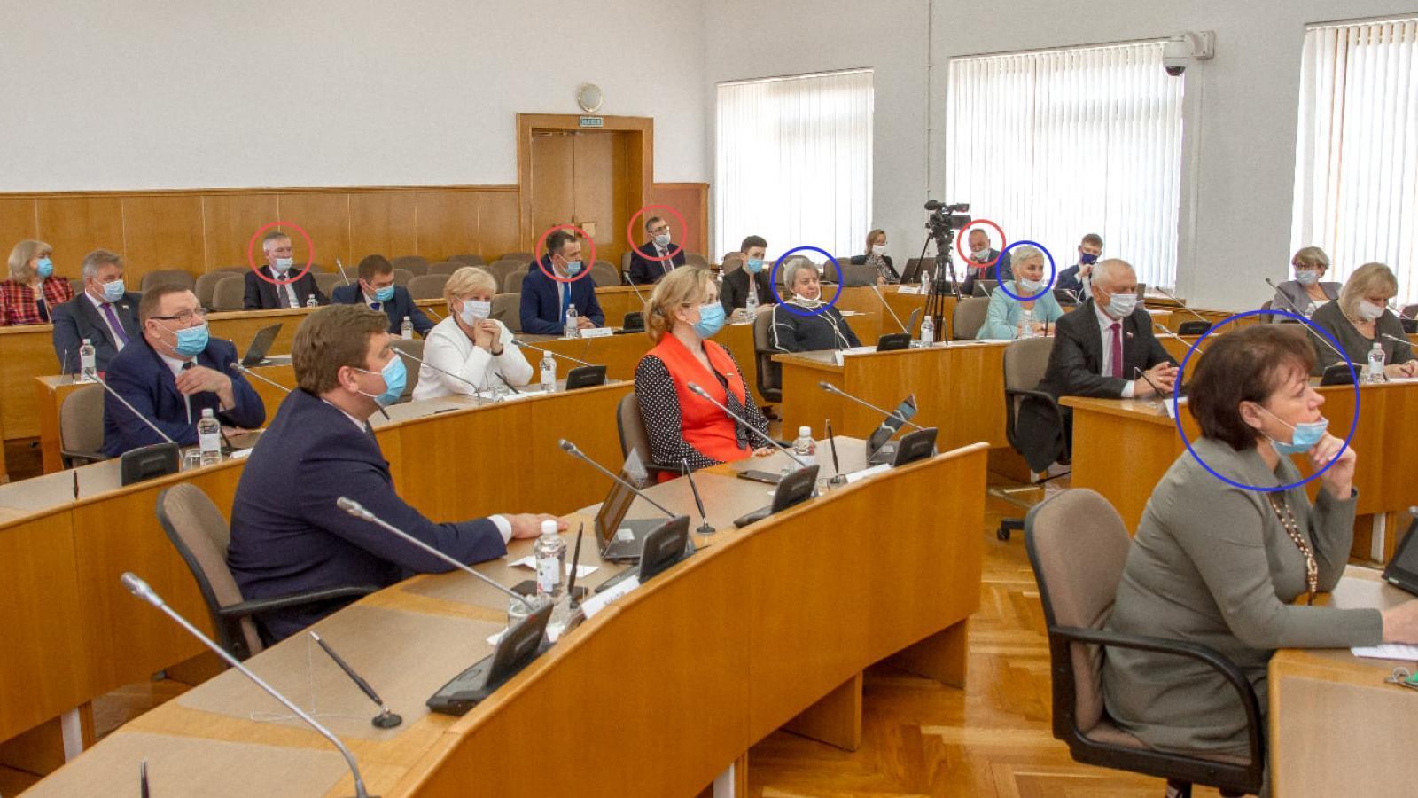 Вологодские депутаты нарушали масочный режим
