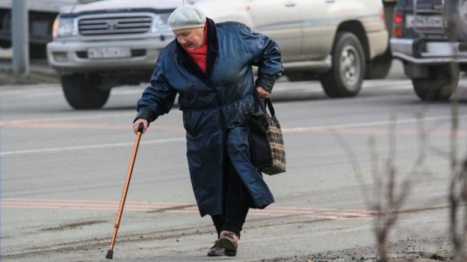 Вологжанин не заметил и сбил пенсионерку