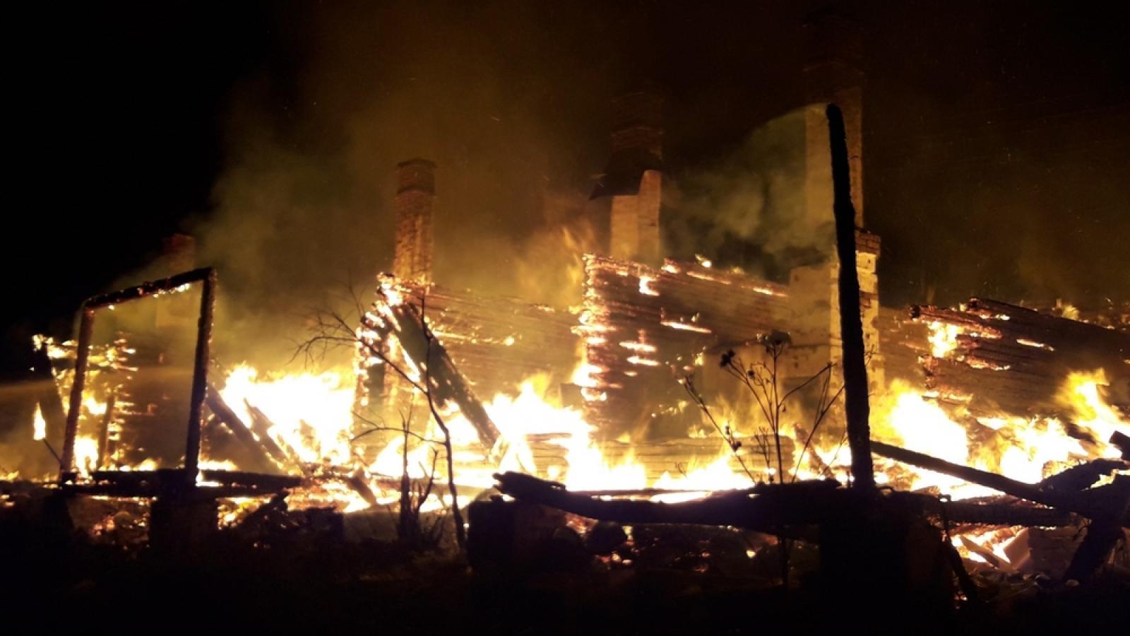 В Великоустюгском районе сожгли жилой дом