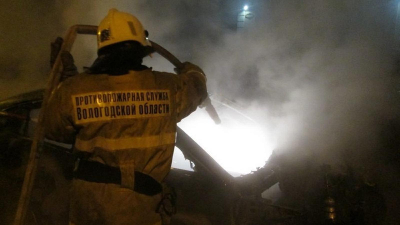 В Череповце сгорели 2 автомобиля