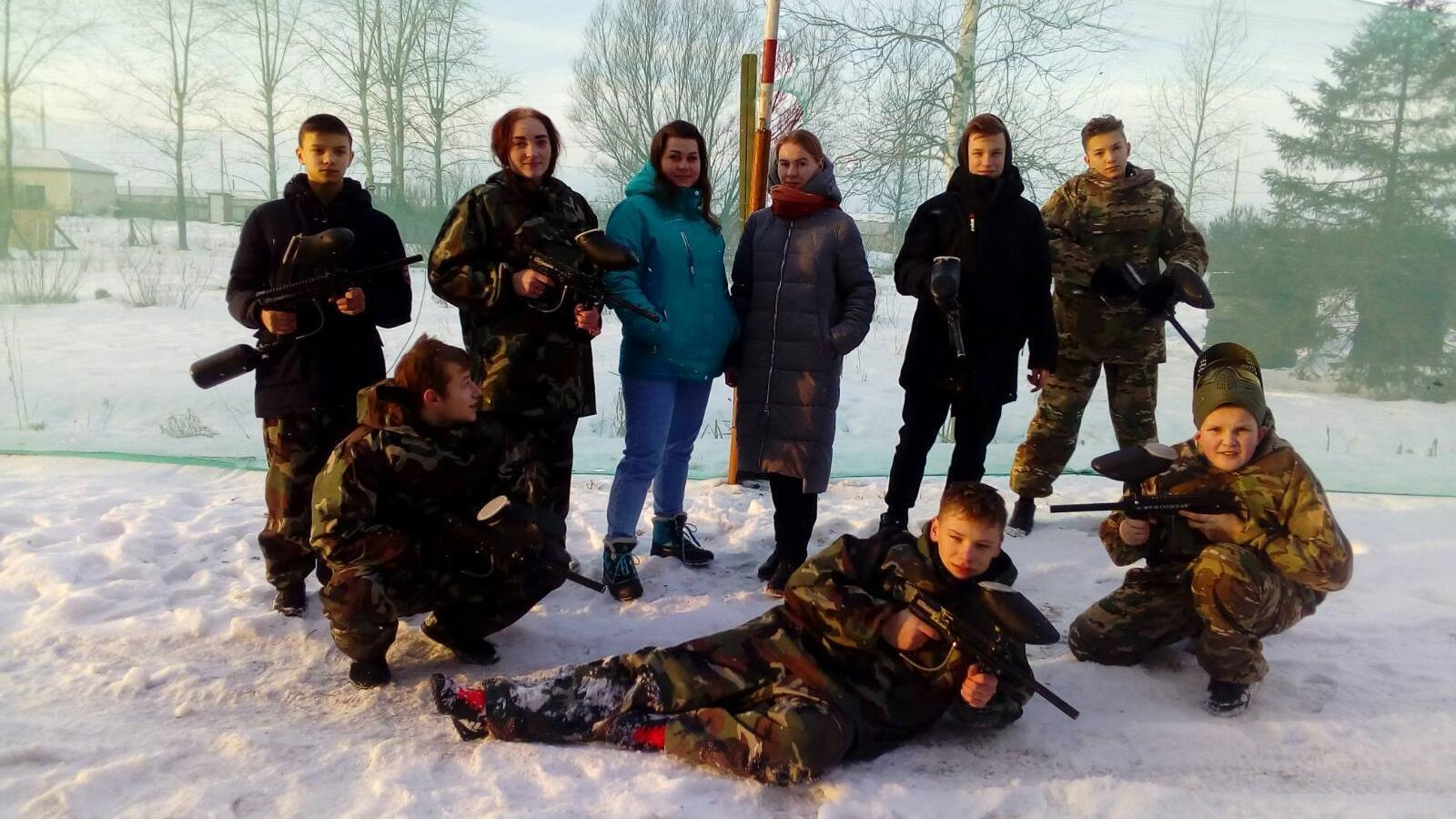 Трудные подростки Вологды сразились в пейнтбол