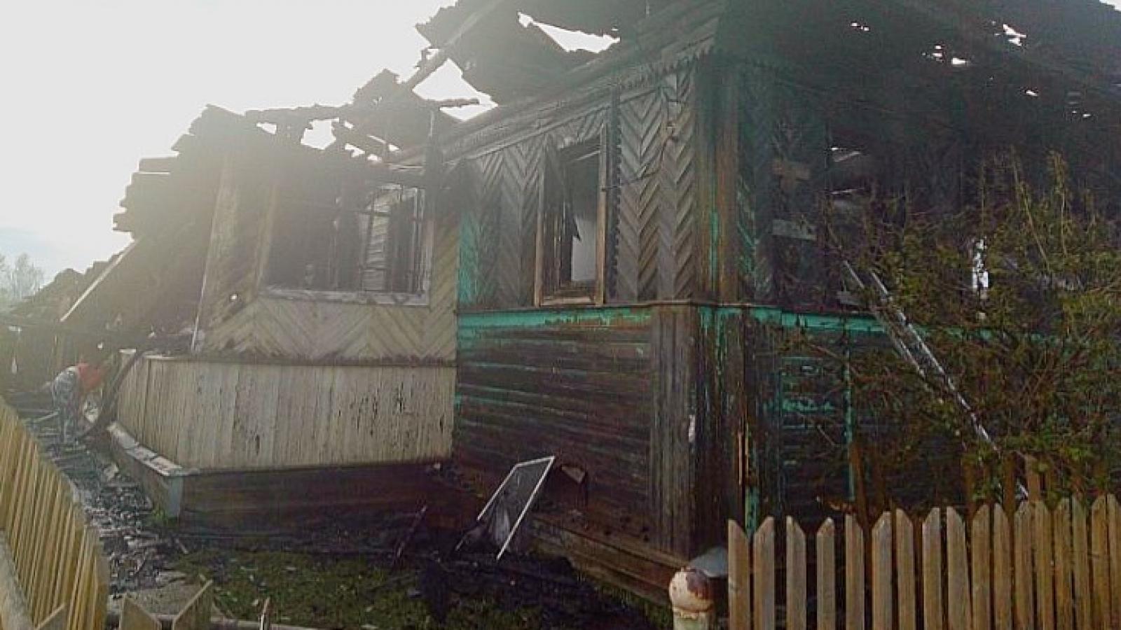 Люди сгорели в доме под Тотьмой