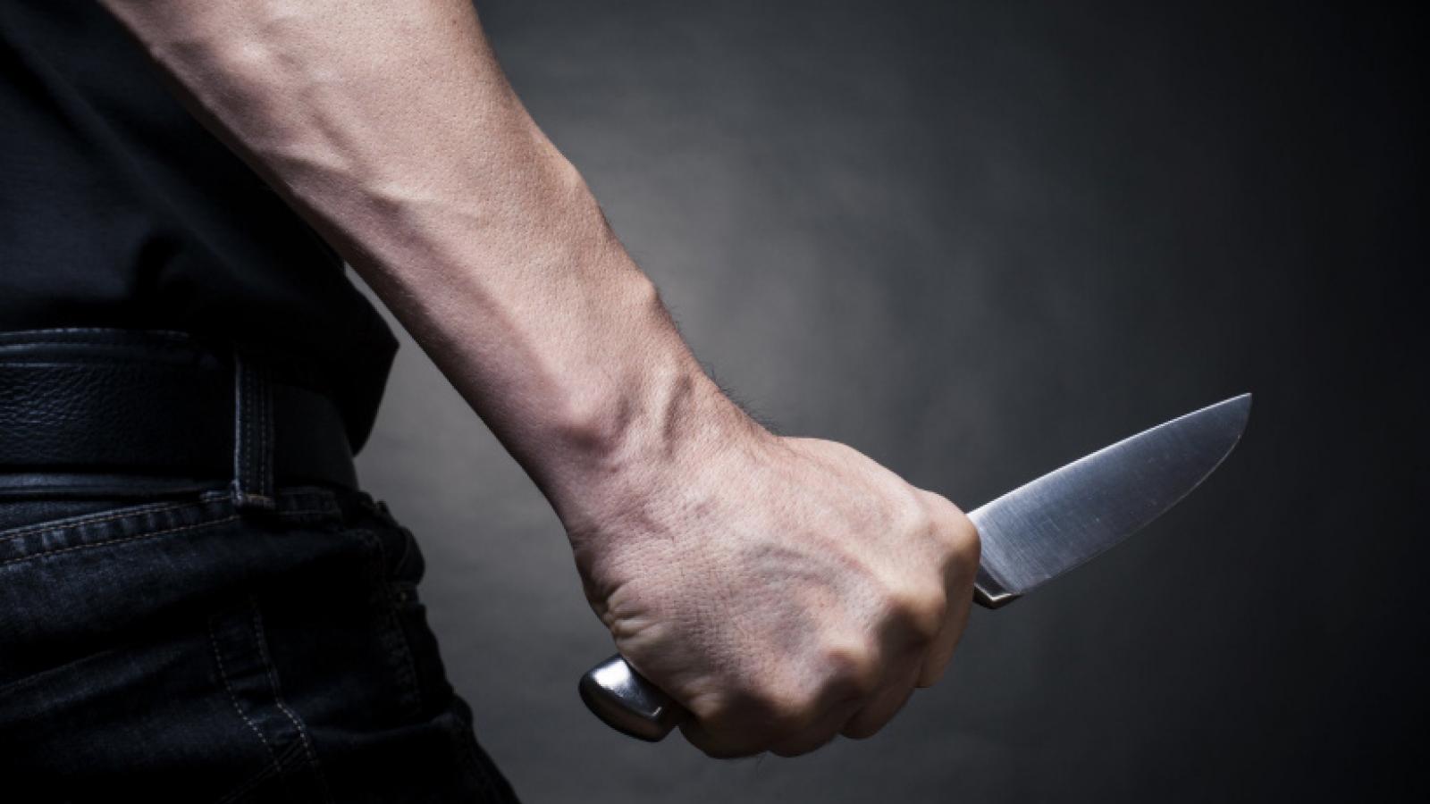 Пьяный череповчанин угрожал ножом прохожим
