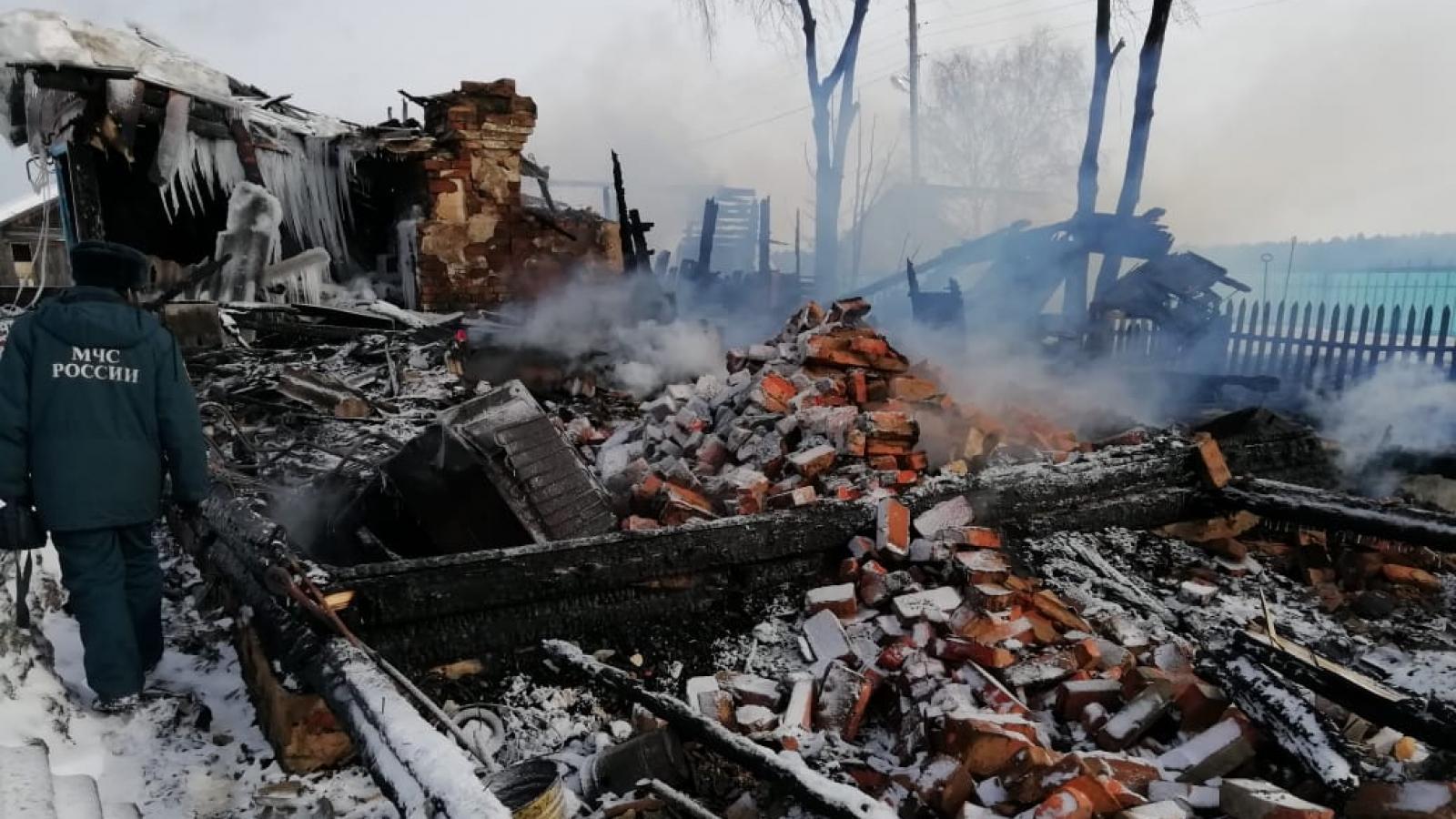 В Вологодской области при пожаре погибло два человека