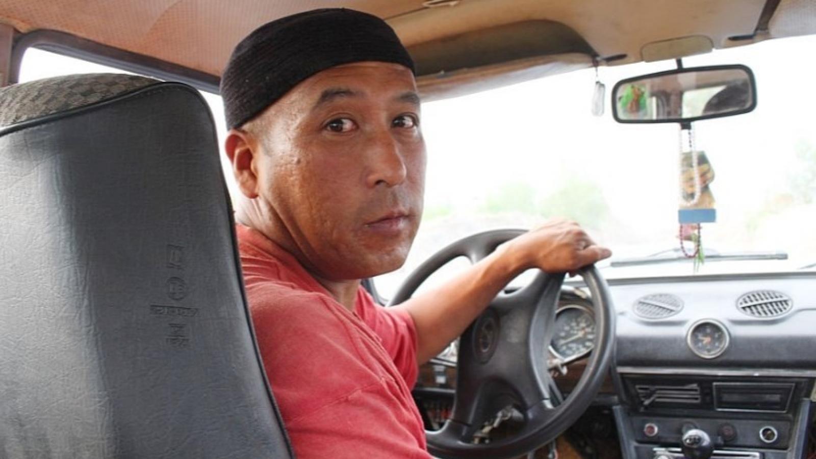 На Вологодчине мигрантам запретили работать в такси