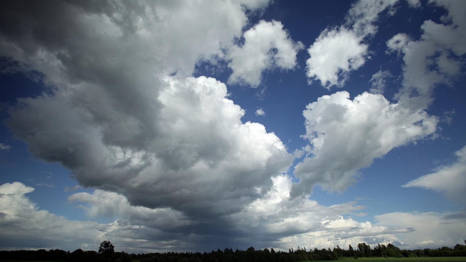 Облачная погода с дождями ожидается в регионе