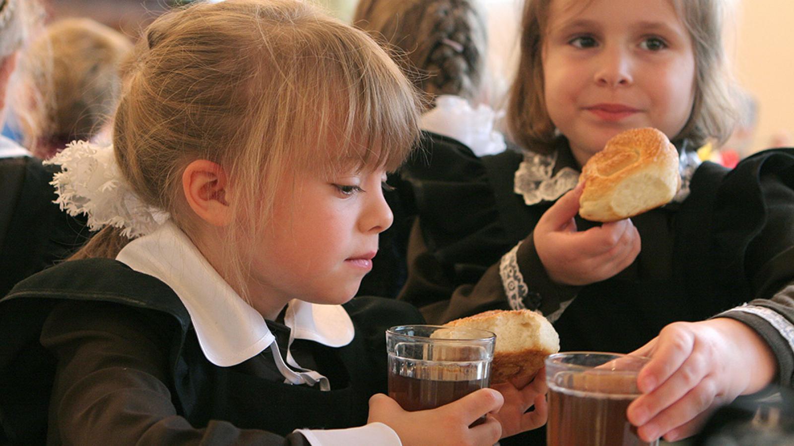 В Череповце повысили стоимость школьных завтраков