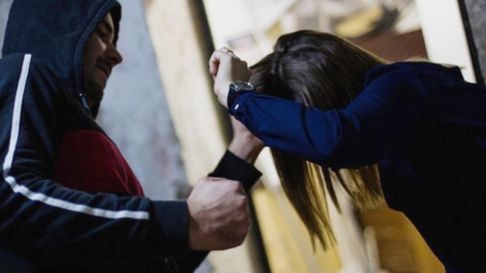 Таксиста оштрафовали за нападение на девушку