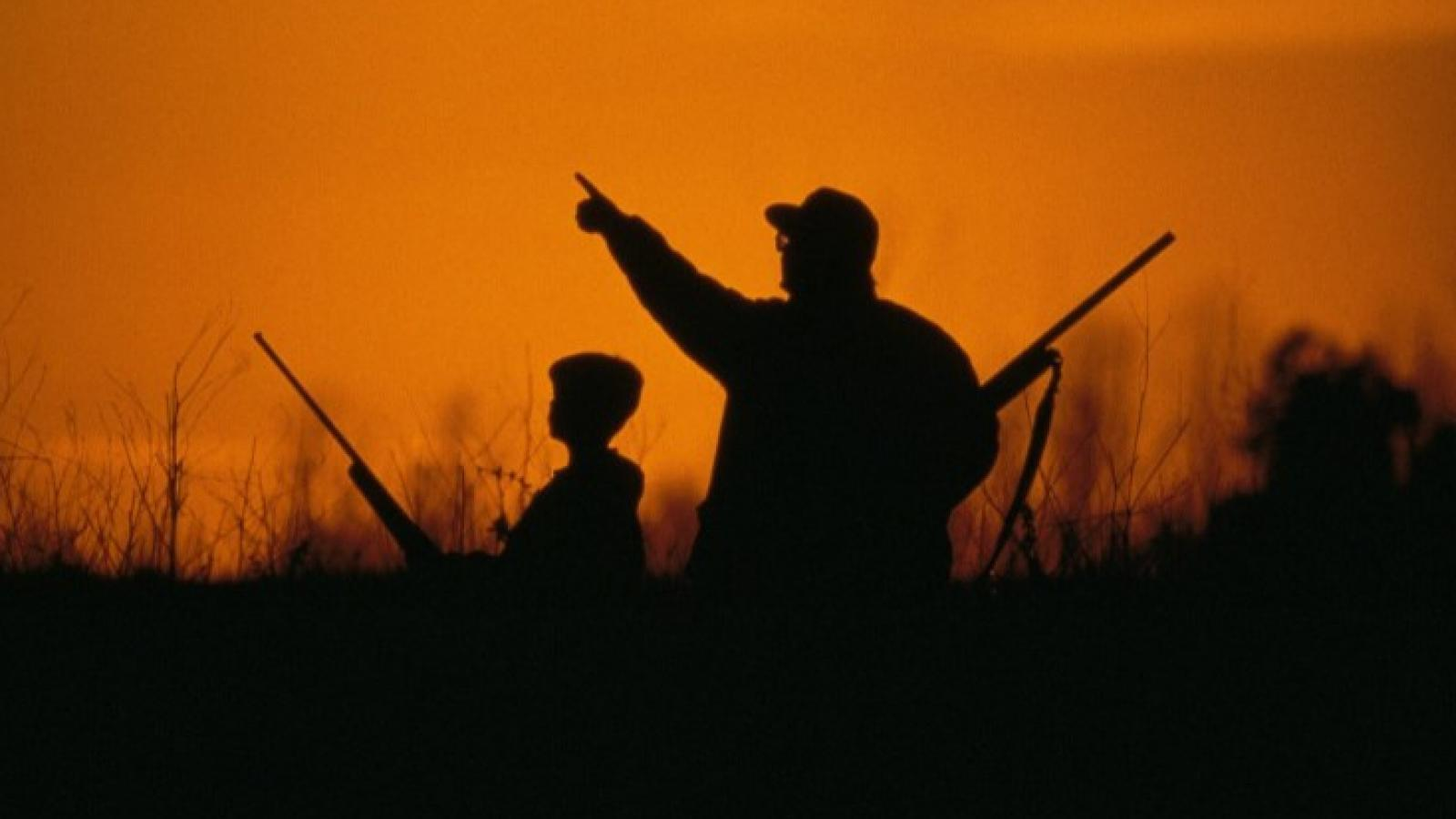 Мужчина случайно выстрелил в сына на охоте