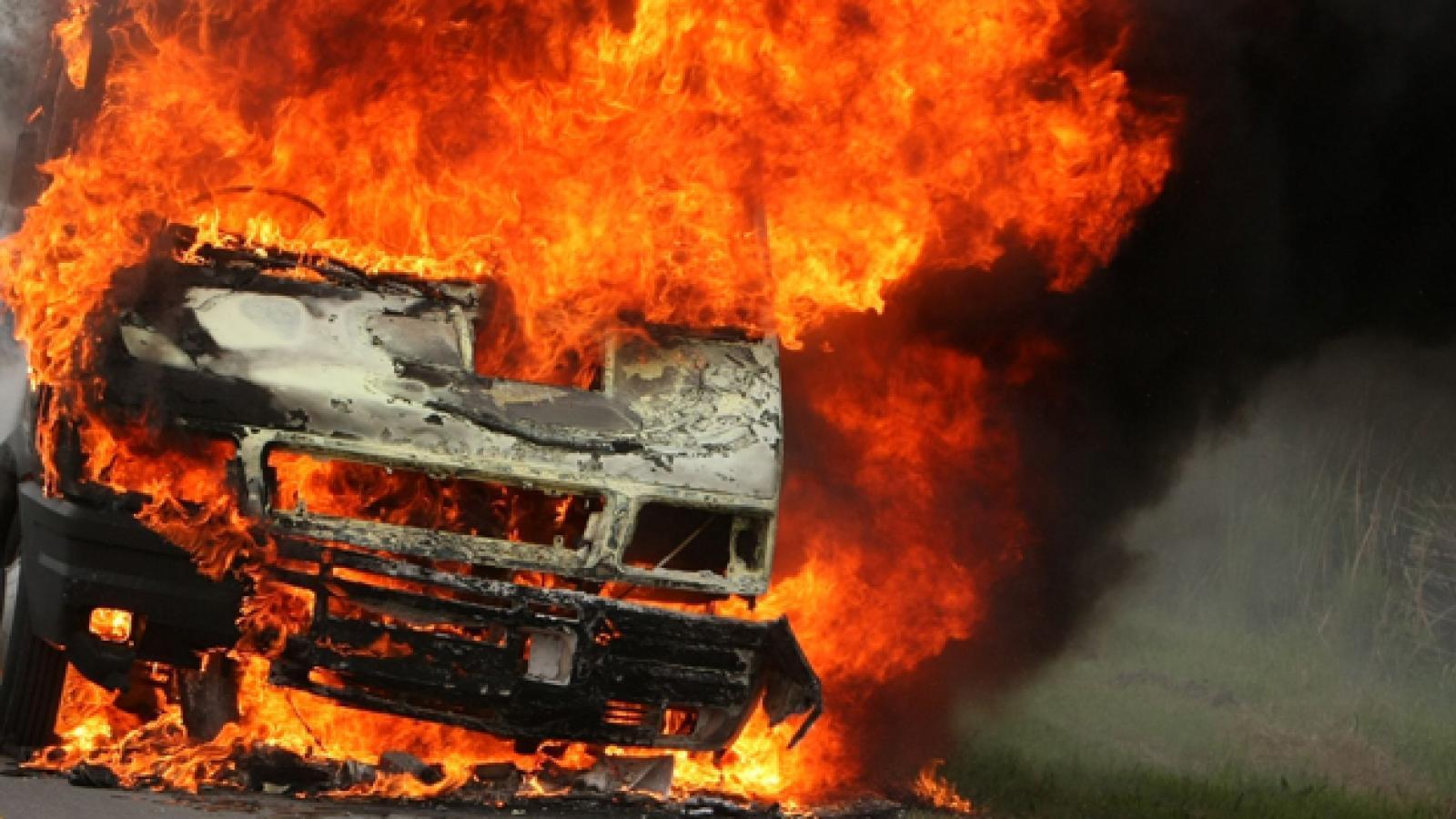 Под Вологдой сгорела ГАЗель с водителем