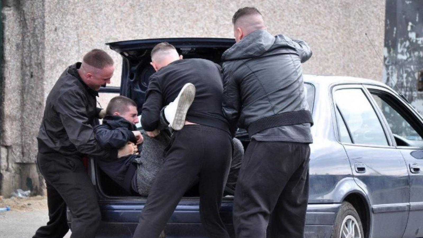 Вологжанина увезли на кладбище и ограбили