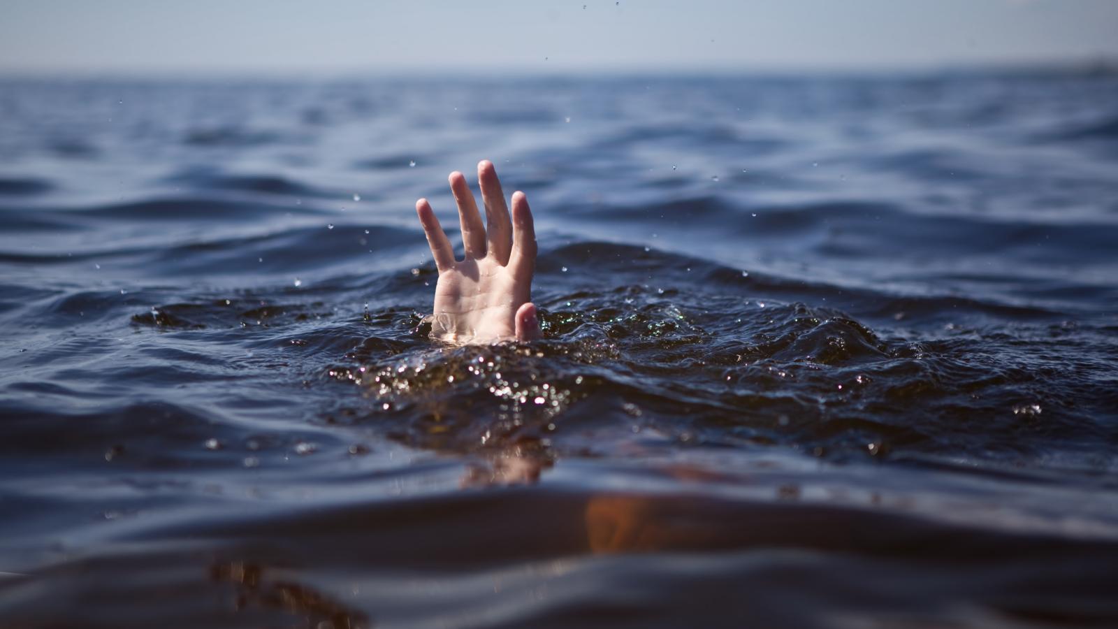 Ночью в Вологде утонул мужчина
