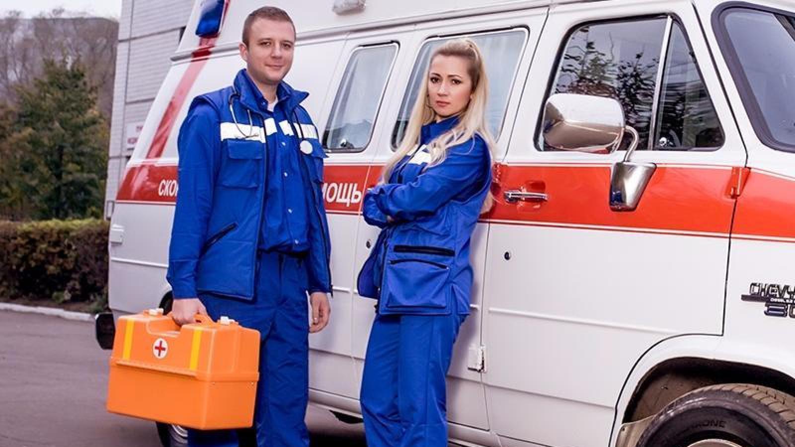 Врачам скорой и пожарным поднимут зарплаты
