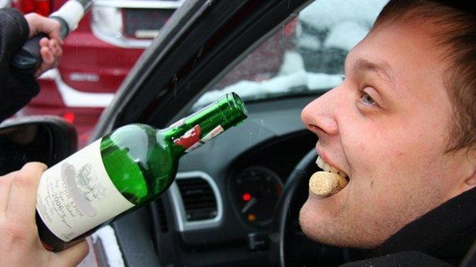Водитель пил «для защиты от COVID»