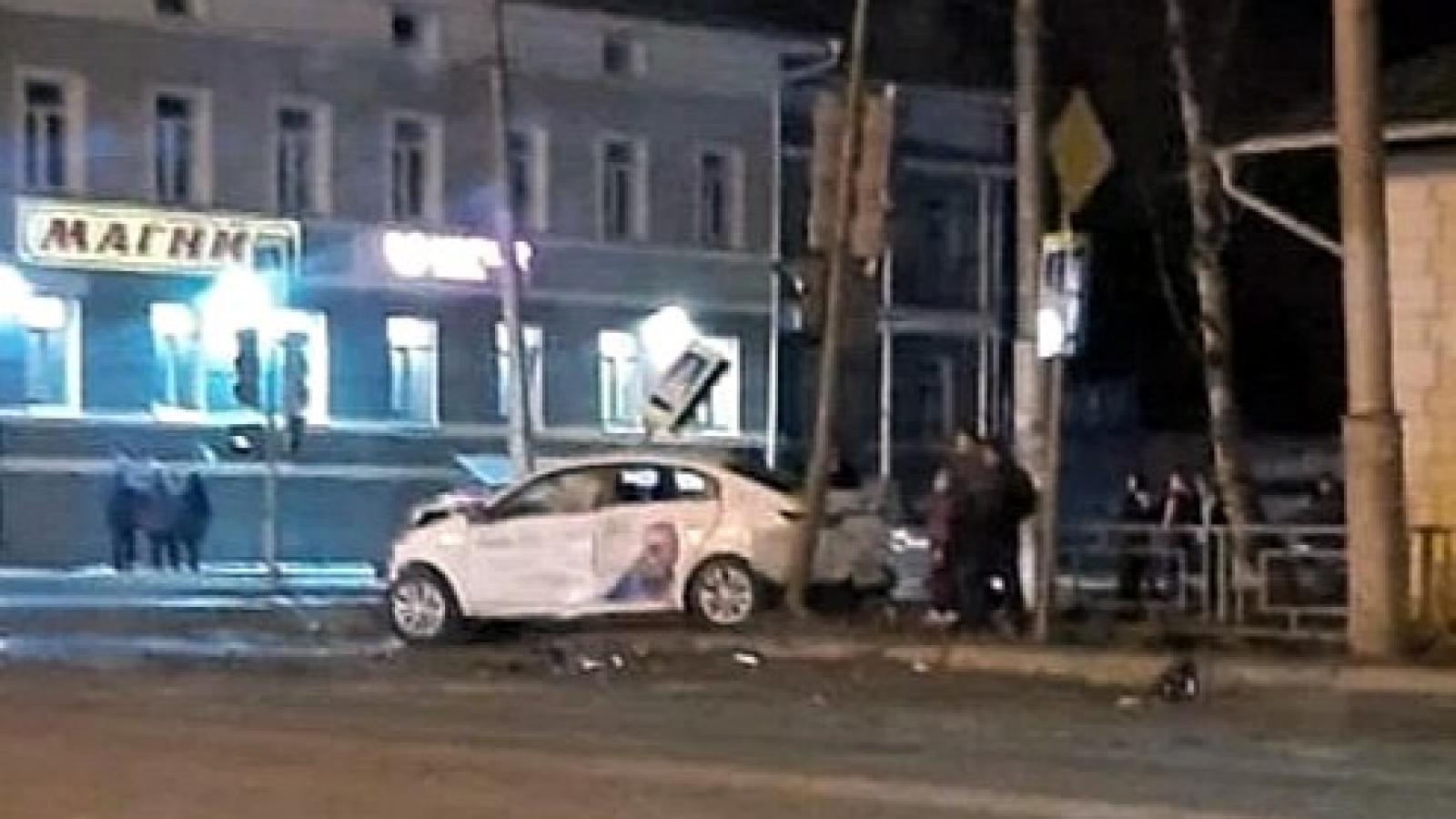 Таксист влетел в машину вологжанки