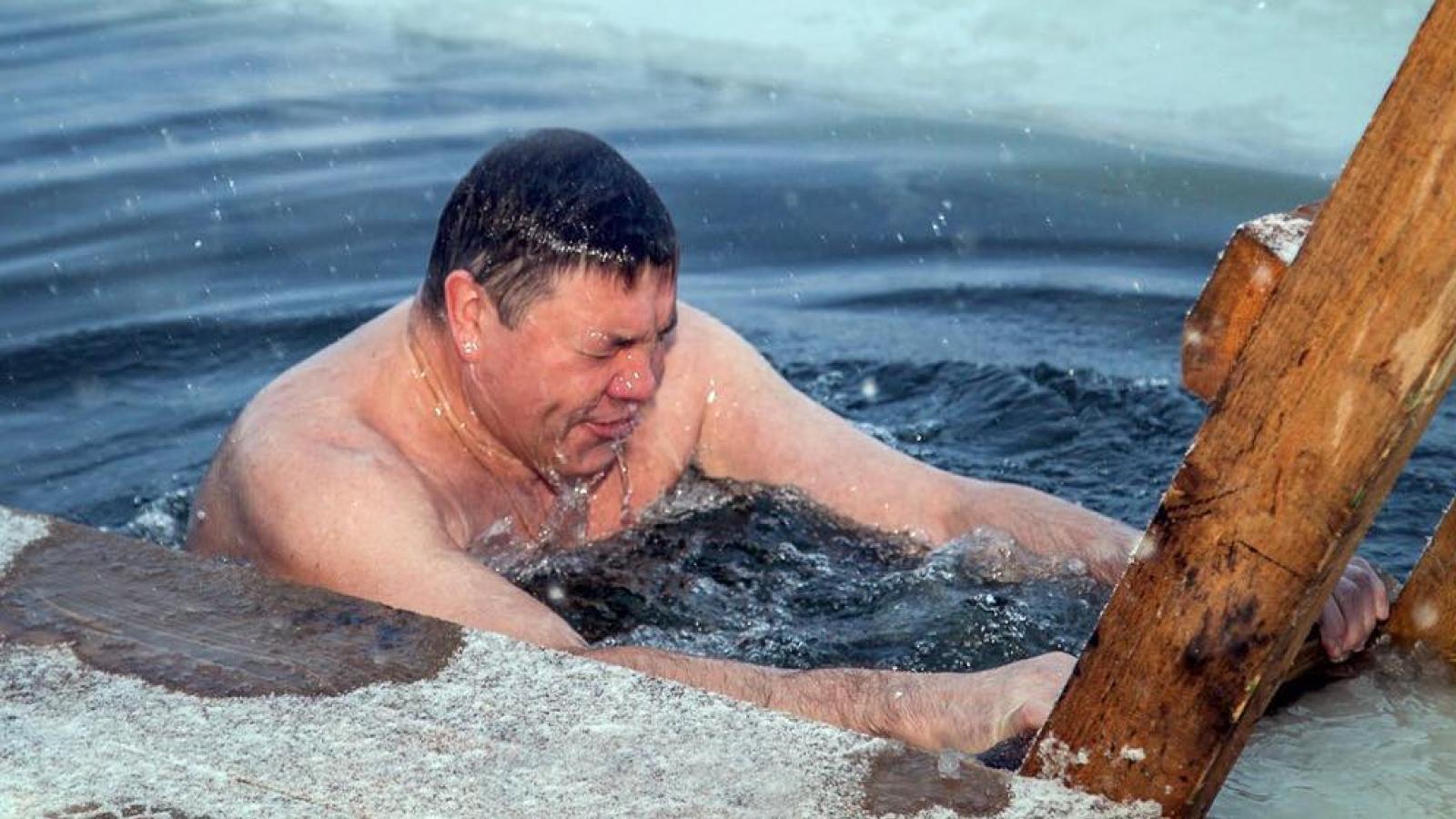 Крещенские купания не отменят