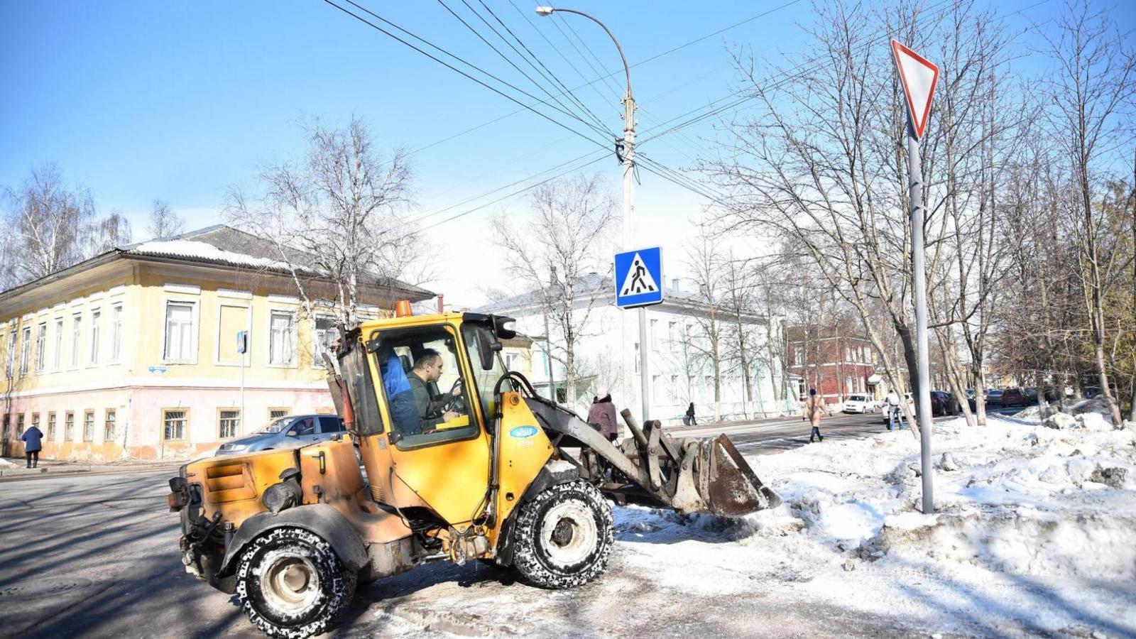 В Вологде изменят график уборки тротуаров