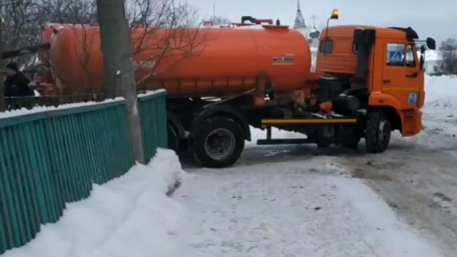 Дом в центре Вологды остался без воды