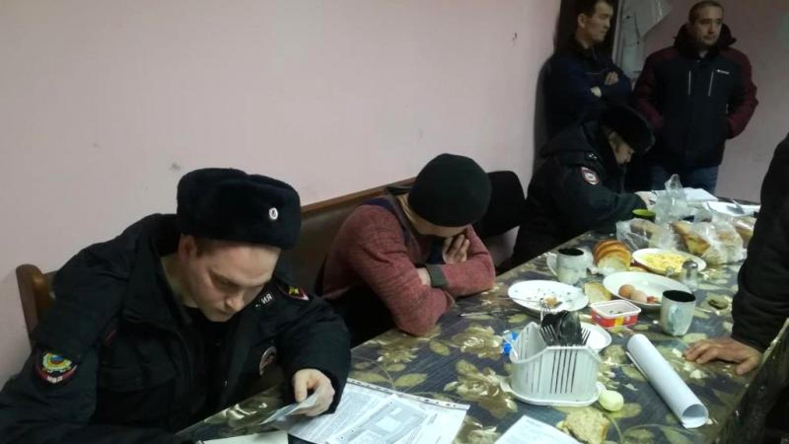 В Вологодском районе нелегально работали мигранты