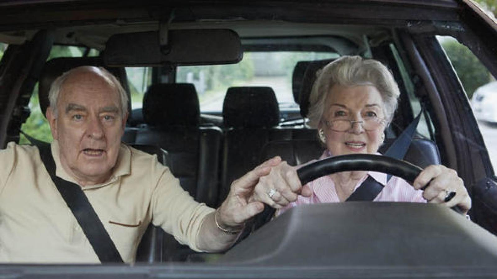Поднят вопрос медсправок для пожилых водителей