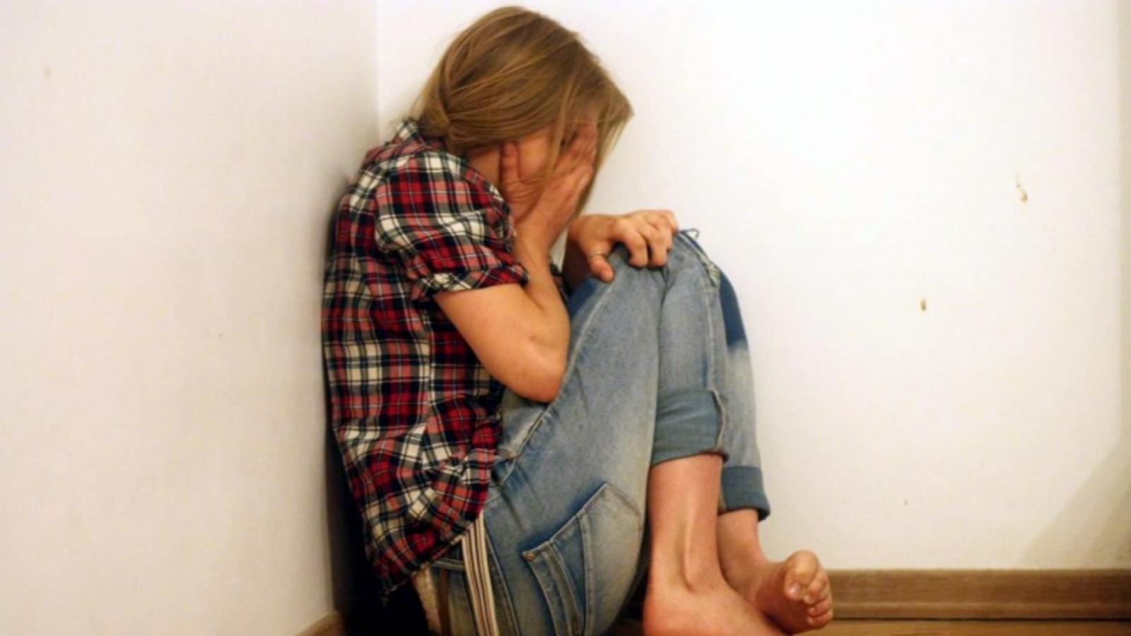 Женщину осудили за истязание дочери