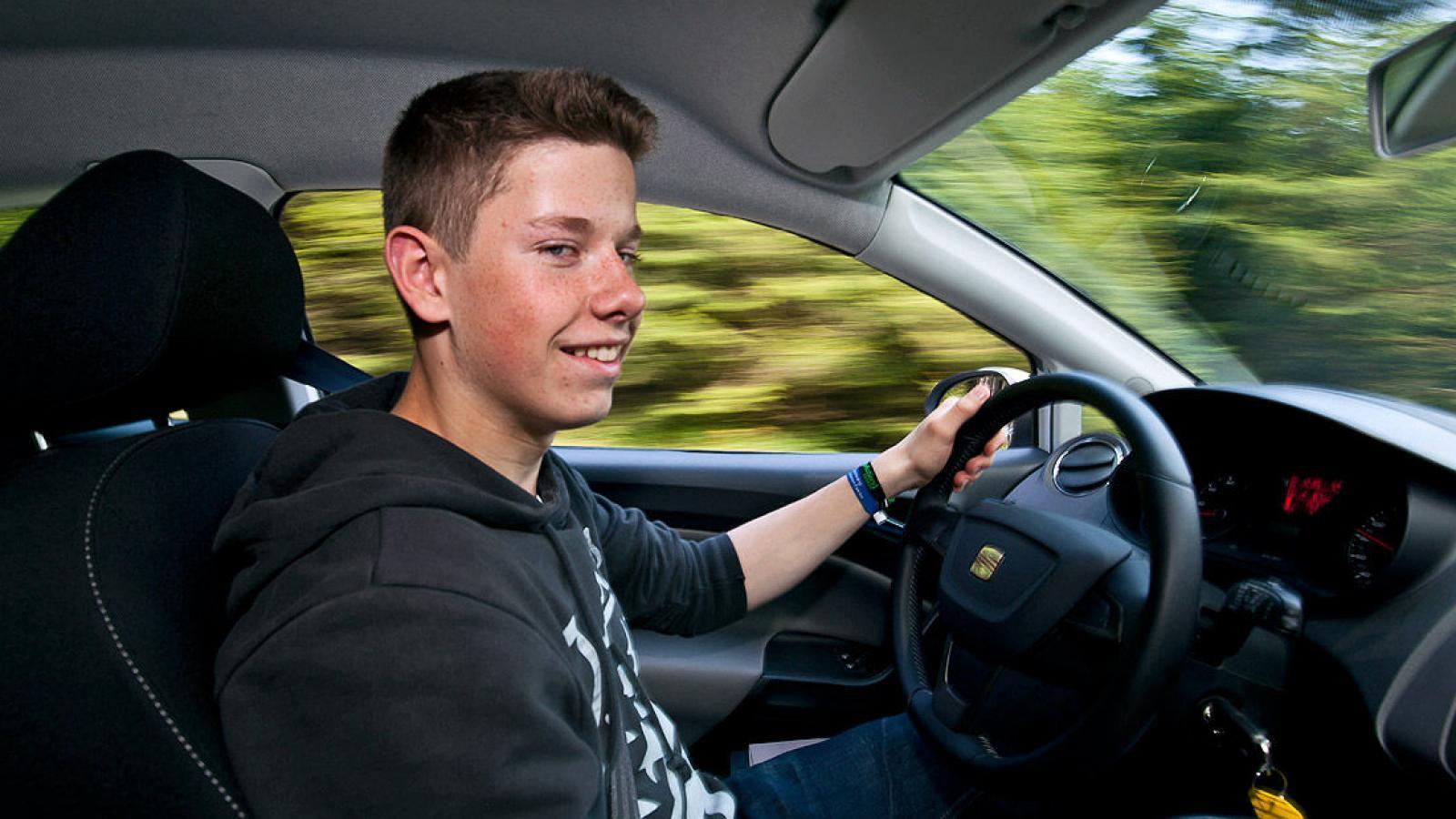 Пускать за руль с 16 лет?