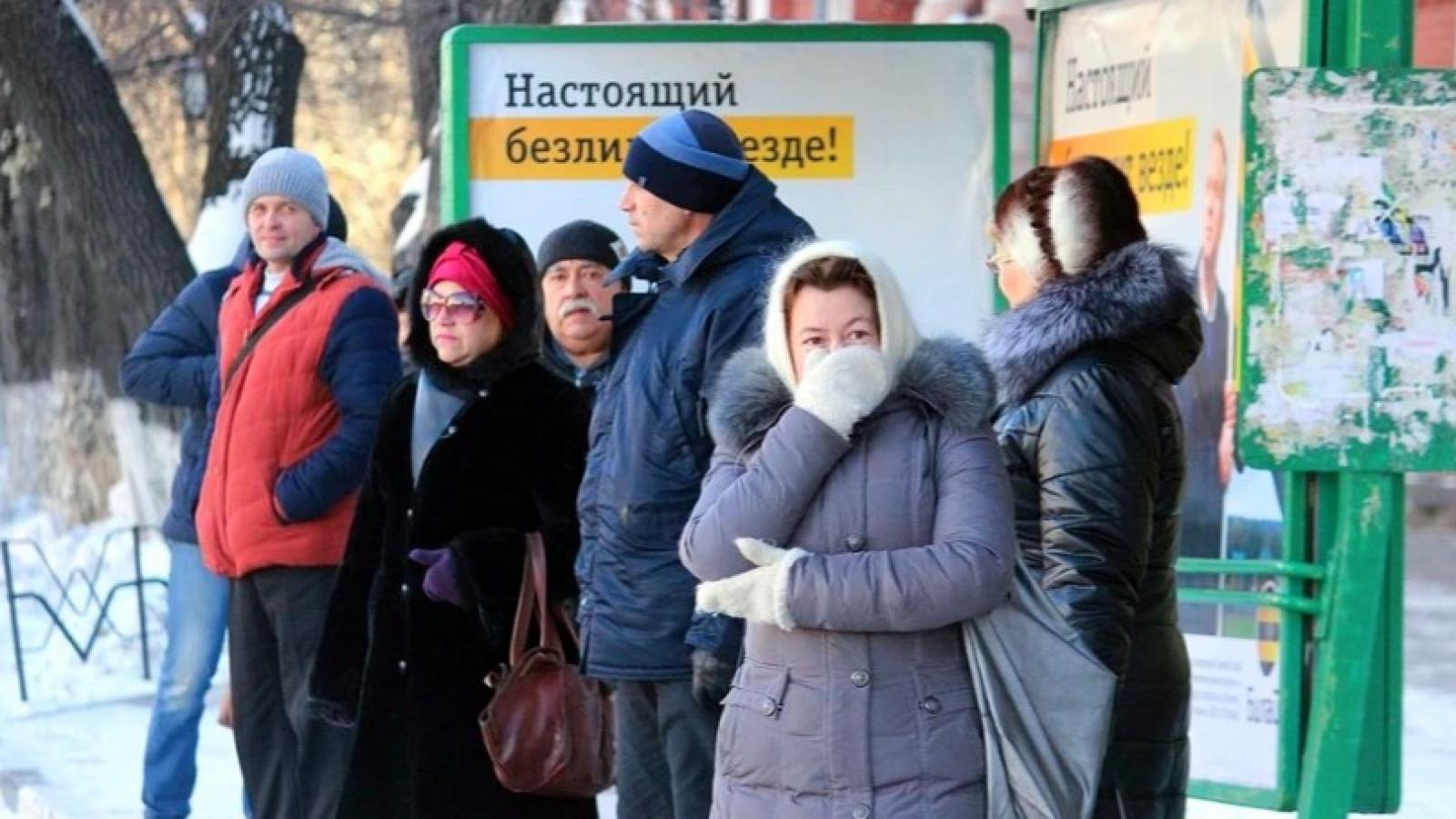 Общественный транспорт не справляется с морозами
