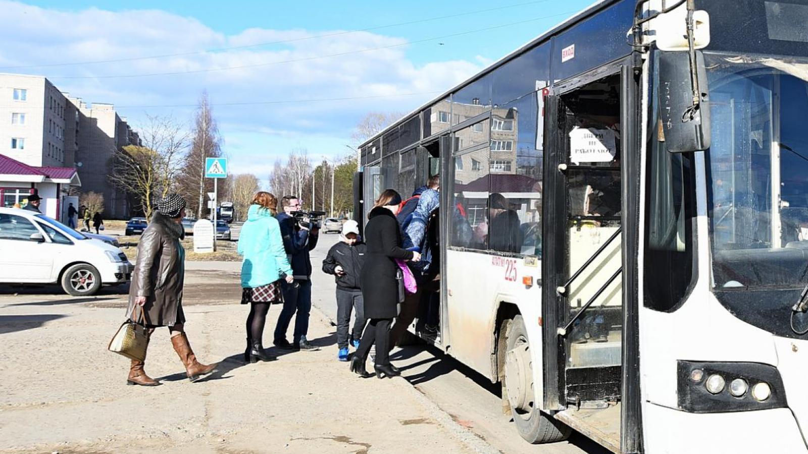 Названа причина сокращения автобусных рейсов