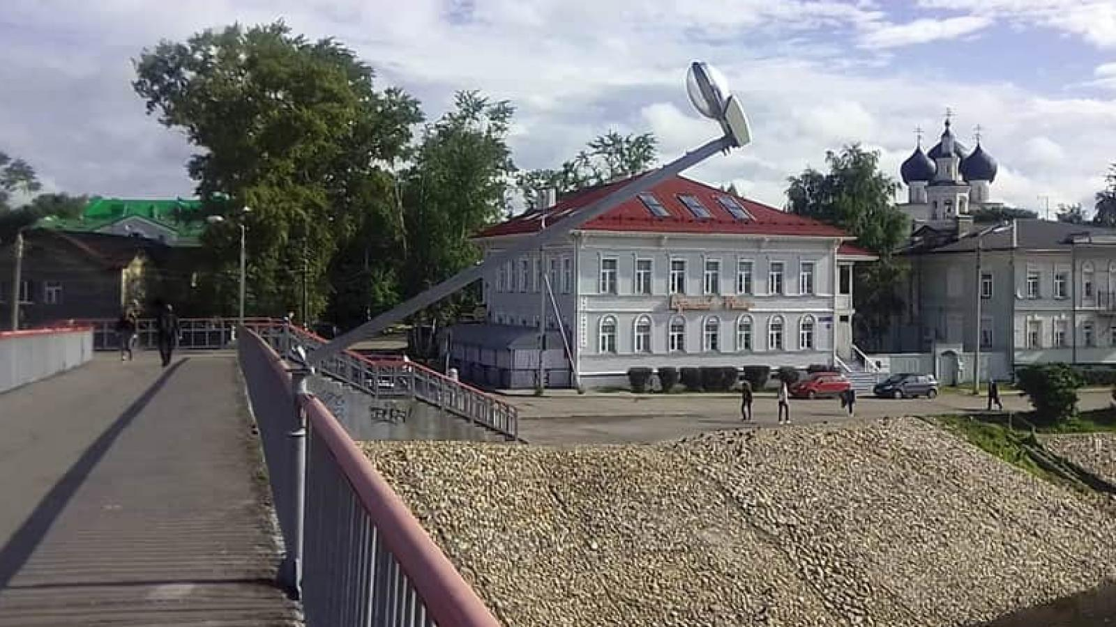 Вандалы разгромили центр Вологды (видео)