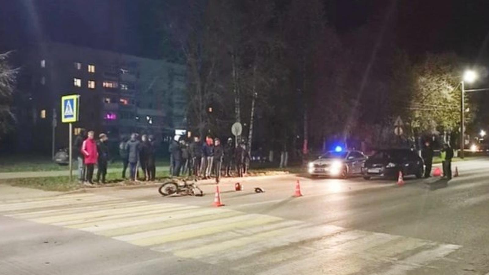 Водитель сбил мотоциклиста и врезался в скорую