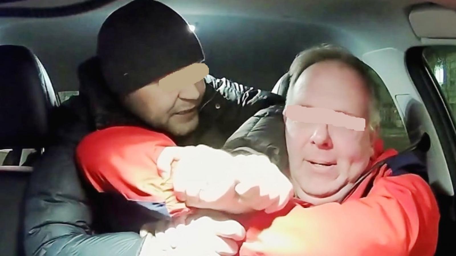 Пьяный вологжанин отобрал у таксиста машину