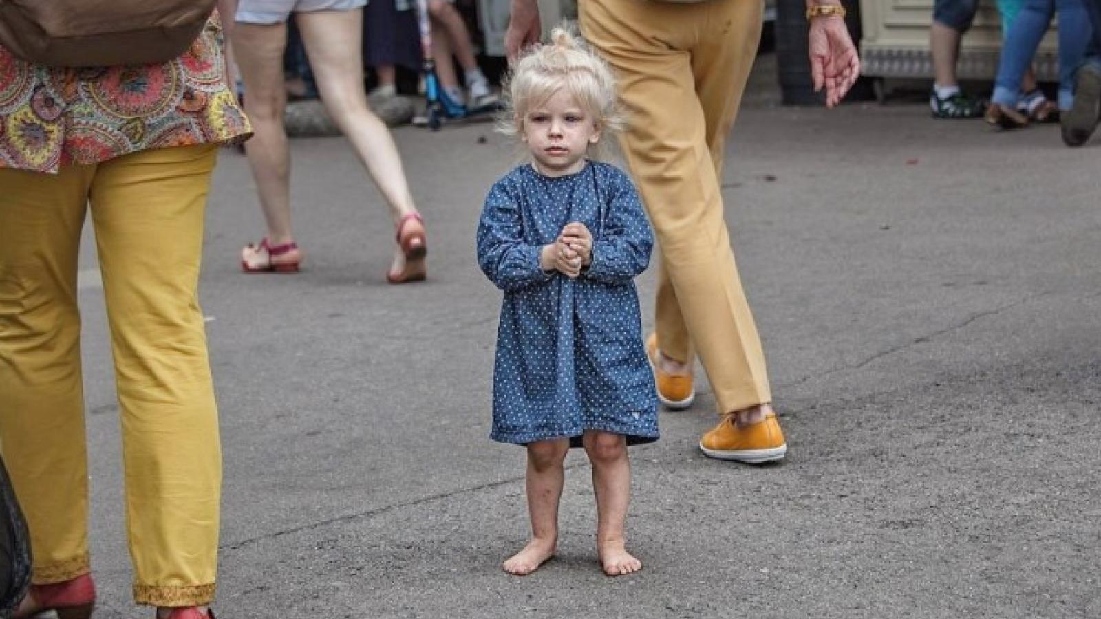 Босоногую девочку нашли в Вологде