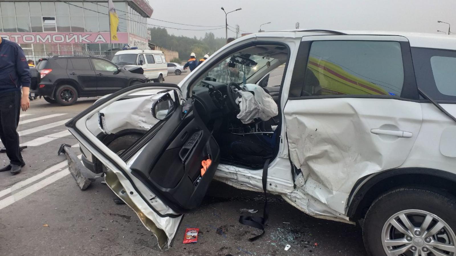 3 человека получили серьезные травмы в ДТП в Череповце