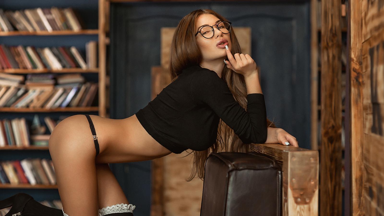 Почему у умных девушек богатая сексуальная фантазия