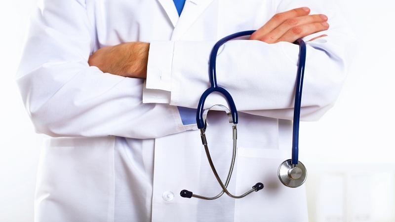 Больше половины медицинских учреждений страны лишатся главврачей