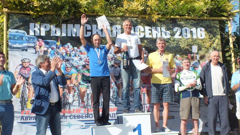 Вологжанин Валерий Новиков завоевал «золото» велогонки «Крымская осень»